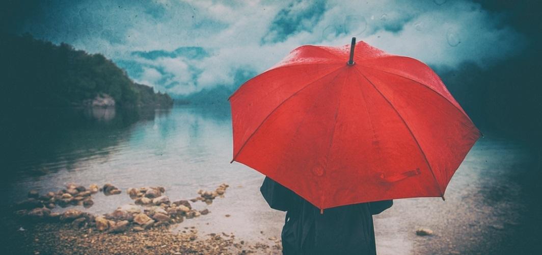 Yağmur yağarken mırıldanılacak 5 şiir ve 5 mısra