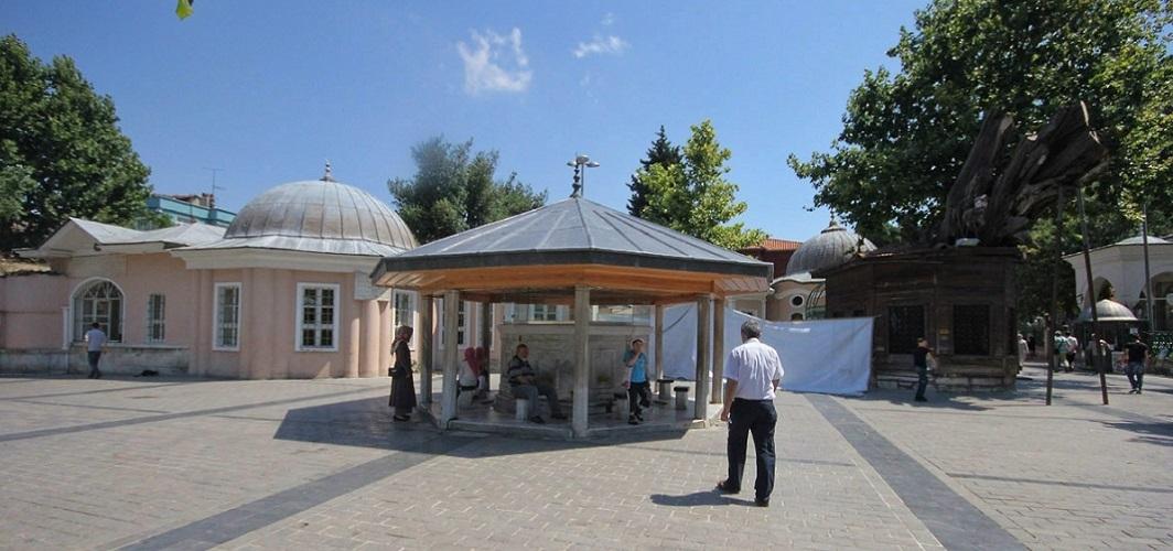 Koca Mustafa Paşa'da bir velî: Sünbül Sinan Hazretleri