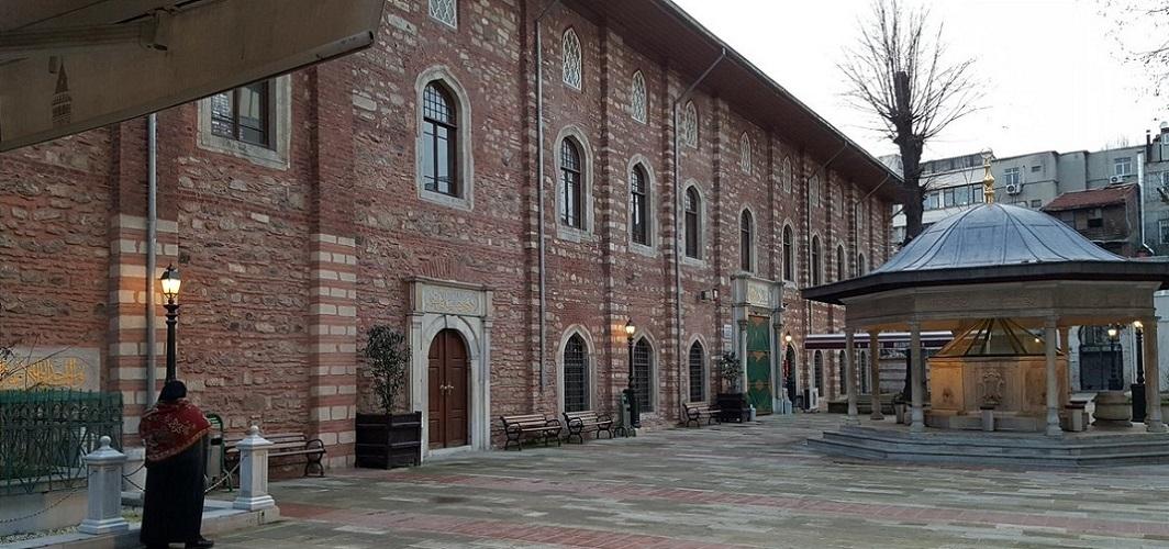 İstanbul ezanla ilk Arap Camii'nde buluştu
