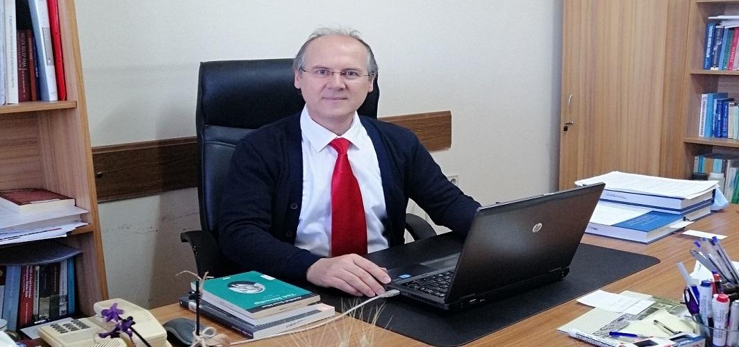 """Prof. Dr. Gürsoy Şahin: """"Türklerle Ermenilerin ilişkilerinin olumlu yönünü kaybedip çatışmaya dönüşmesi uzunca bir sürecin sonucunda ortaya çıkmaktadır."""""""