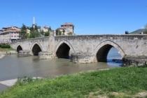 İki şehir, iki ırmak, iki tarihi köprü