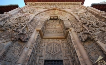 Allah'ın tarihe masalsı müdahalesi: Selçuklular