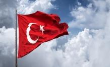 Bayrağa hürmet, vatana hürmet ve sadâkat demektir