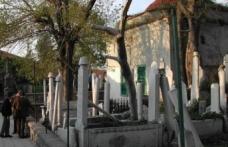 600 yılık bir tekke İzmir Emir Sultan Tekkesi