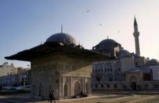 Kılıç Ali Paşa denize cami yaptırmış