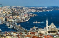Beş şehrin hikâyesinde dolaşmak, aziz İstanbul'da yaşamak