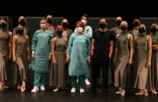 Kovid-19 salgınının zorlu sürecini sahneye taşıyacak 'Pandemic' dünya prömiyerine hazır