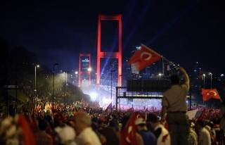 Çeşitli Ülkelerden Sembol Köprüler ve 15 Temmuz...