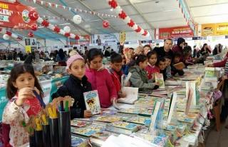 Bir Gün Şehre İlk Kez Bir Kitap Fuarı Gelir: Tokat...