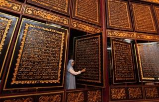 Ahşap Kur'an-ı Kerim'e Dünyanın Dört Bir Yanından...