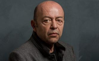 Selim İleri: Hala 50 yıldır yazı yazdığım daktilomu kullanıyorum