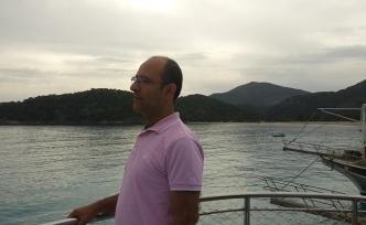 Tekin Şener: Hiçbir çağda bu kadar derin bir yarılmışlık yoktu