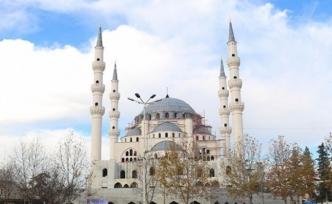 Balkanların en büyük camisi yıl sonu ibadete açılacak