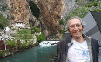 Ebubekir Kurban ile 'Gariplerin Kitabı' Üzerine Konuştuk