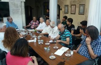 Ömrünü Türkçeye Adamış Bir Münevver: Nejat Muallimoğlu