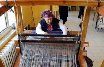 Down sendromlu Meral Özer Karacakılavuz dokumasına sahip çıkıyor