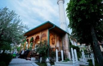 Saraybosna'nın tarihi camisinde 'mahalle iftarı'
