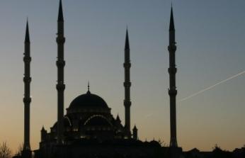 Güvercin mahfilleri yok olan camiler