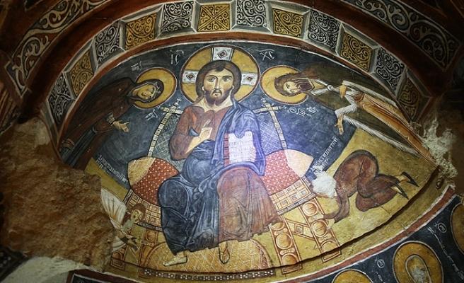 Bin yıllık fresklere özel koruma