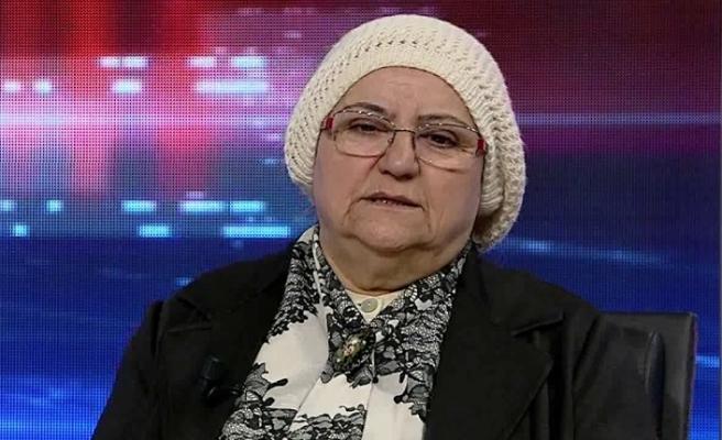Belkıs İbrahimhakkıoğlu: Bizim evin başköşesinde şiir otururdu