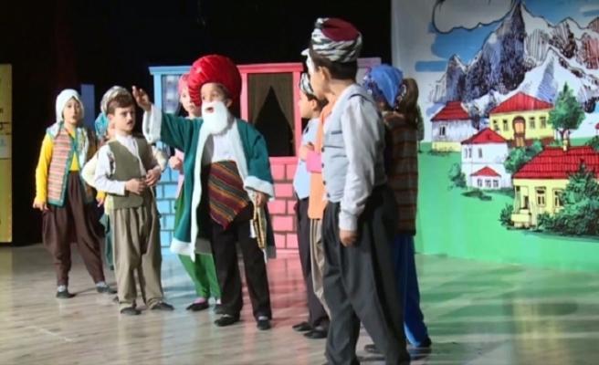 İlkokul öğrencileri Nasreddin Hoca fıkralarını canlandırdı