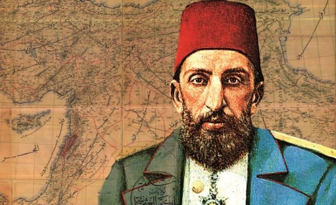 Sultan Abdülhamid mi, derviş Abdülhamid mi?
