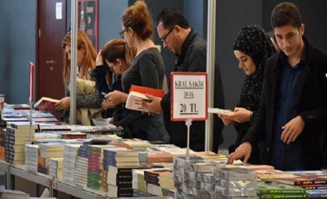 """""""Gaziantep Kitap Günleri"""" fuarına ziyaretçi akını"""
