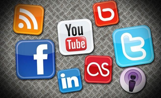 @lagaribey: Bizler sanal dünya için kullanıcı değil, ürünün kendisiyiz