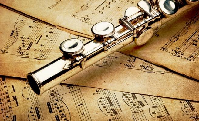 Şevki Bey, Franz Schubert ve İsmet Özel