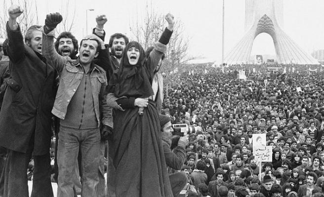 Keşf-i Hicab: İran'ın yakın tarihinde örtü yasağı