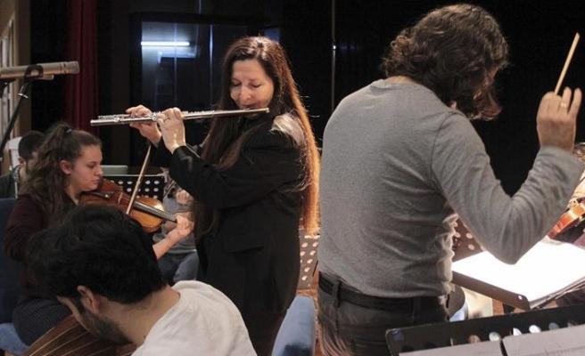 'Sihirli flüt' Kutluer, Filistinli gençlerle Türk ezgilerini çalacak