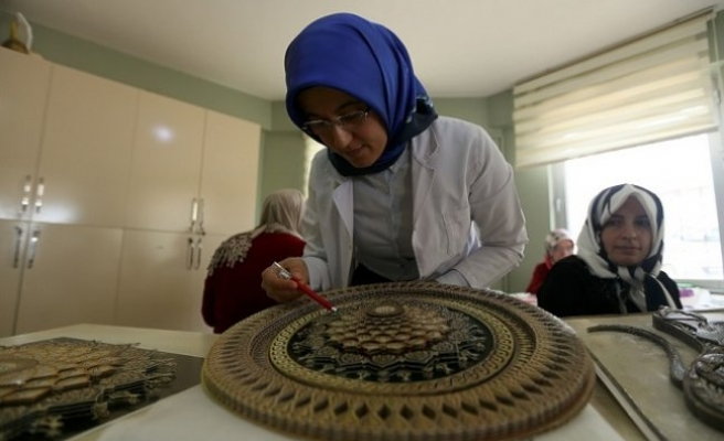 Osmanlı'nın 'Kat'ı sanatı' geleceğe aktarılıyor