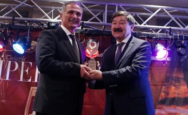 Uluslararası 15. İpekyolu Yılın Altın Adamları Ödülleri sahiplerini buldu