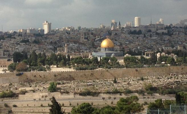 Miraç'a iman edenler aşkla bağlandılar Kudüs'e
