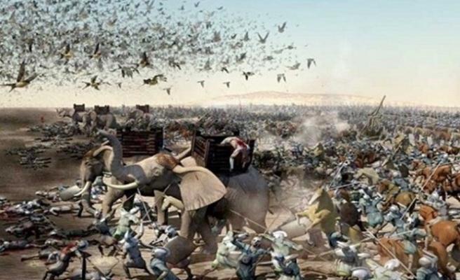 Dezenfekte çalışmaları için kapatılan Kabe'yi kuşlar tavaf etti