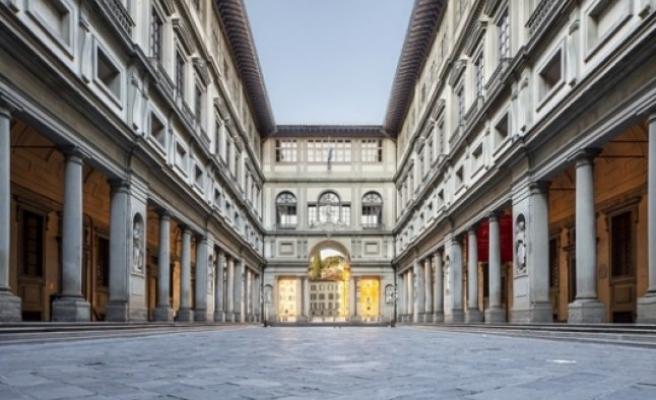 Floransa'daki Uffizi Galerisi evinizde