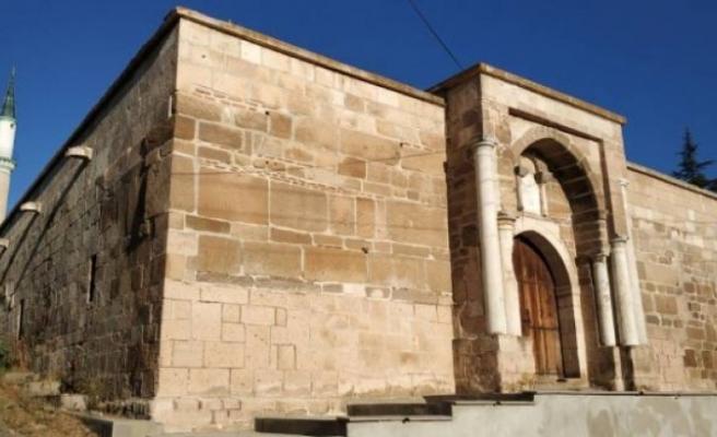 700 yıllık kervansarayda korsan restorasyona suç duyurusu