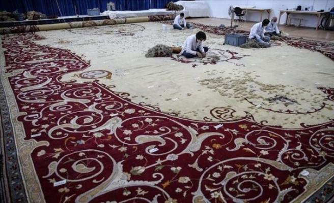 Tarihi Hereke halısı, Milli Saraylar İdaresi Başkanlığınca restore ediliyor