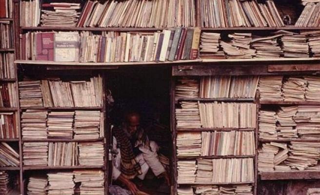 Şehrin direnç noktasıdır kitapçılar!