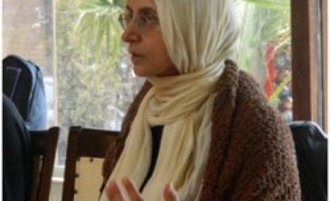 Cihan Aktaş kitaplarını imzalayacak