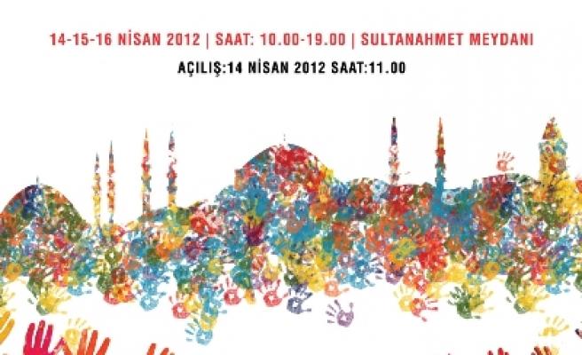 Dünyanın renkleri Sultanahmet'te