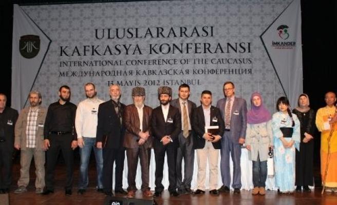 4 oğlu şehit anne Kafkas Konferansındaydı!