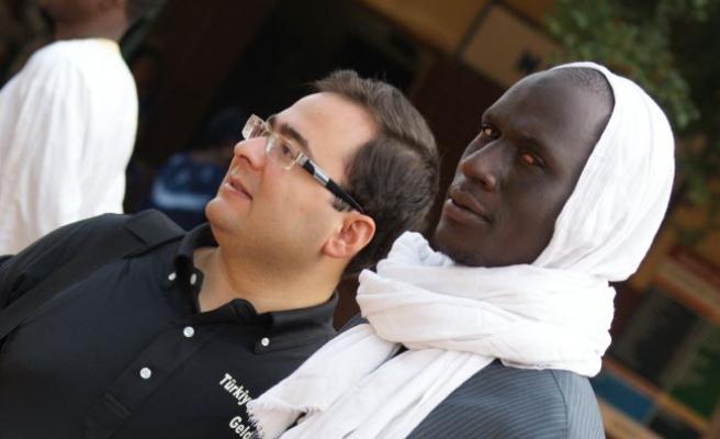 Afrika'da beyaza kafir gözüyle bakılır