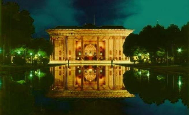 İsfahan'da geceler bir başka güzel!