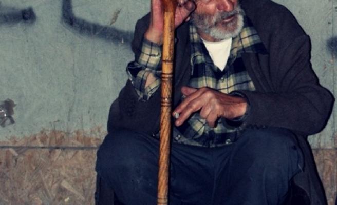 Ankara'da bir güzel kitap satıcısı idi...