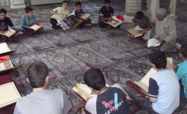 Kur'an Kursuna giden neden küçümsenir ki?
