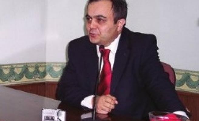 Azmi Özcan Fatih'te