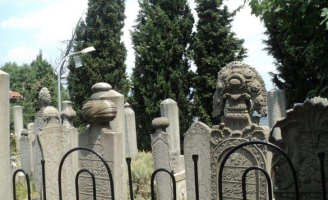 Osmanlı mezar taşlarına dair ihtisas semineri