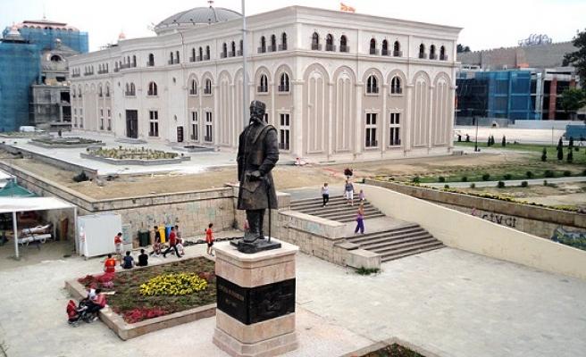 Makedonya Millî Müzesi tarihe ışık tutuyor