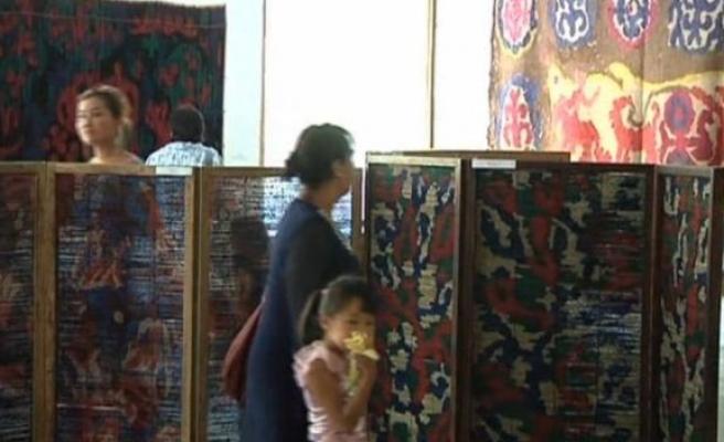 Bişkek'te Kırgız el sanatları sergileniyor (Video Haber)